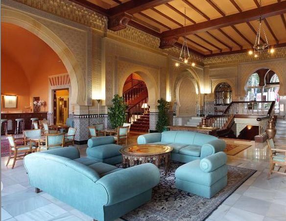 アルハンブラ・素晴らしく美しいのに、冷気を感じる居間